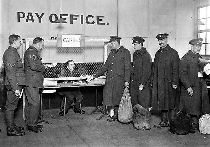 2190-final_pay_parade_Dec_1918.jpg